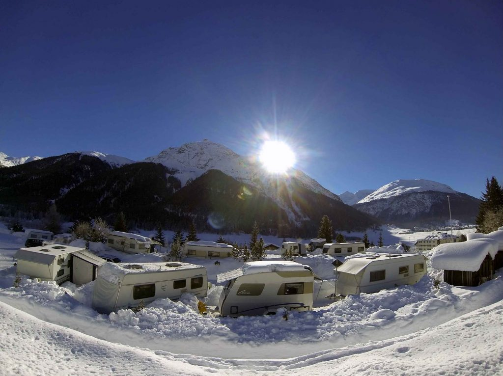 wintercamping-campingplatz-madulain