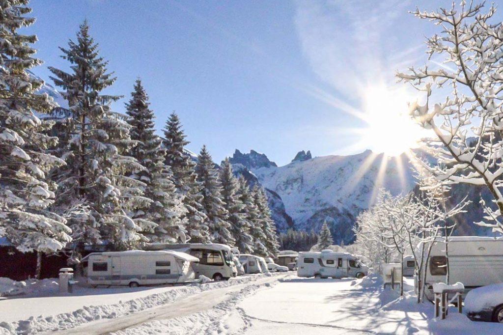 wintercamping-campingplatz-eienwaeldli-engelberg