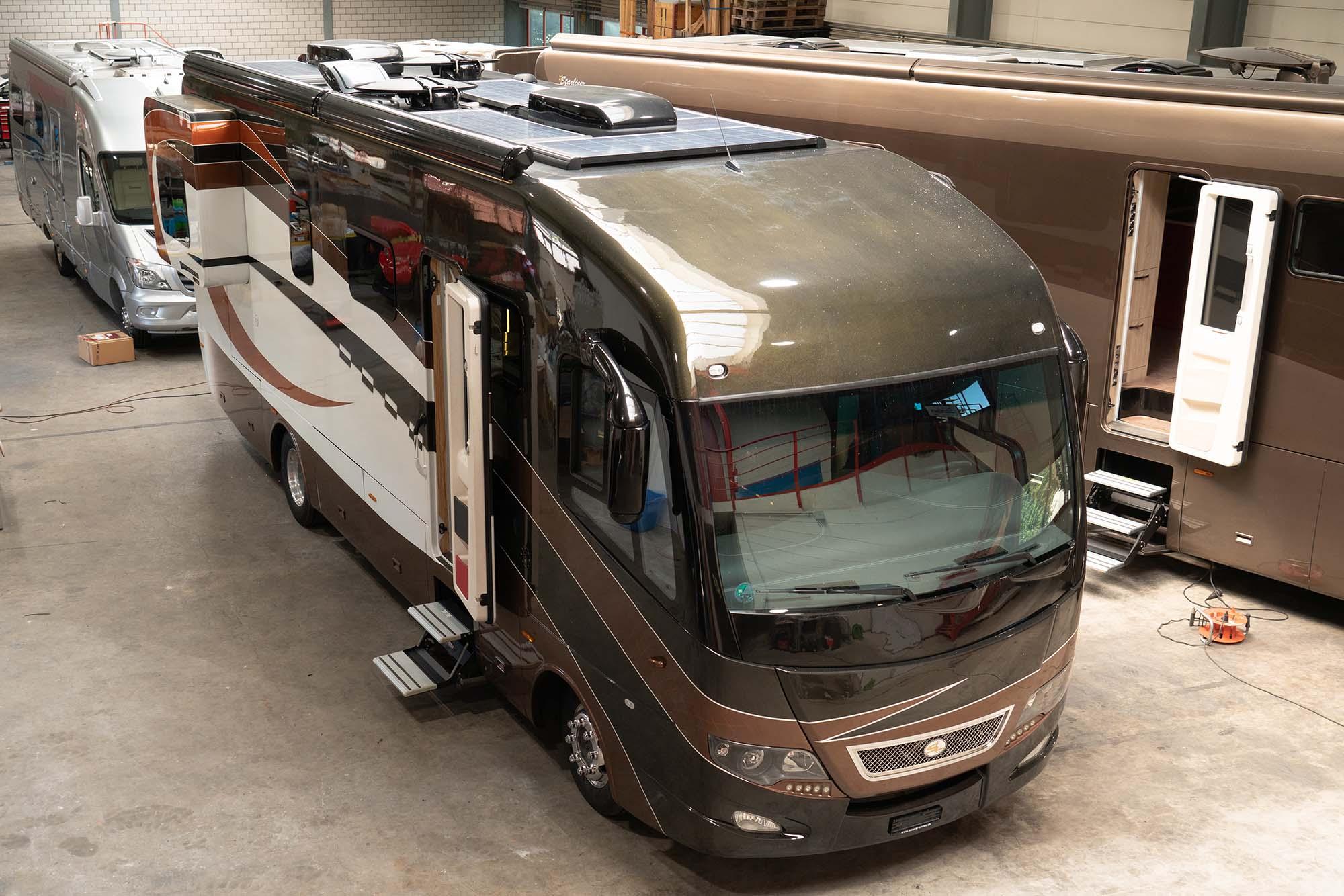 """Glamping"""" - Roomtour eines Luxus-Wohnmobils  MyCamper Magazin"""