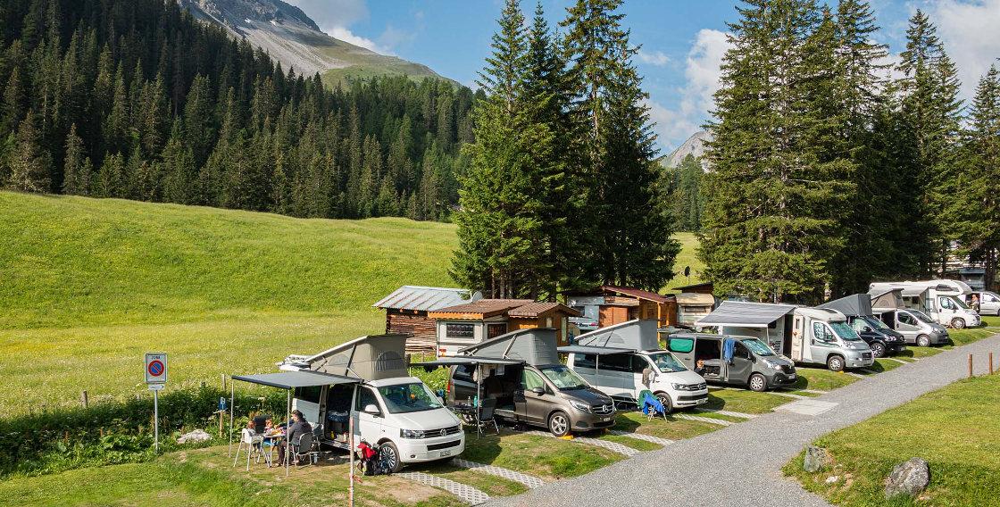 familiencamping ferien arosa Aussicht auf Campingbusse