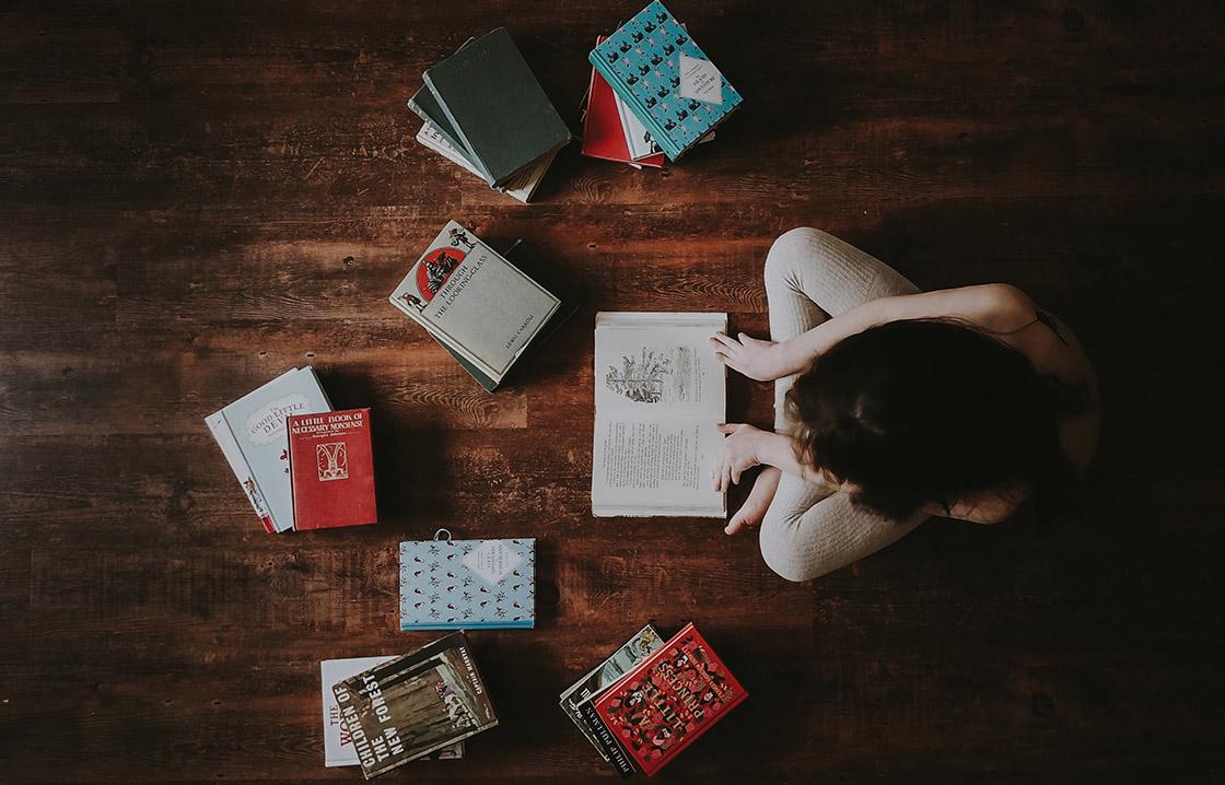 40 Bücher, die du in der Isolation lesen kannst