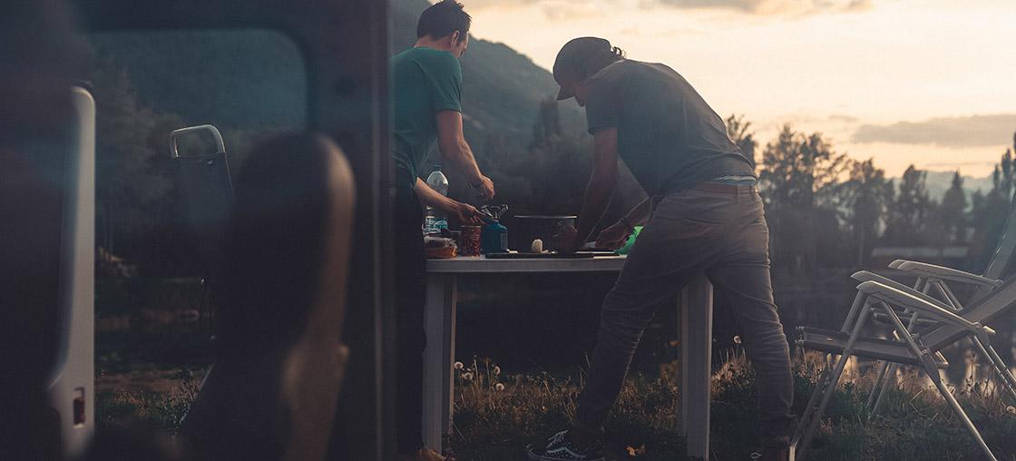 kochen campen kueche braten