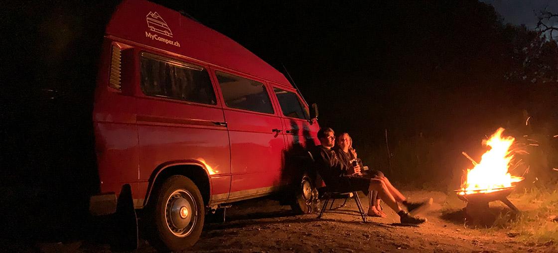 romantisches camper wochenende schwyz paar