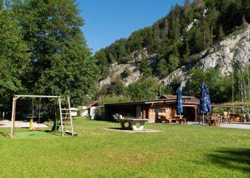 guide neuenburgerse camping val de traverse spielplatz