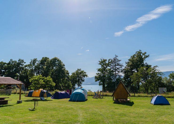 guide neuenburgersee camping terre de la ferme camping