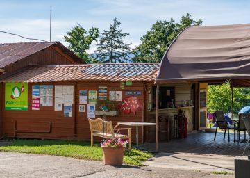 guide neuenburgersee camping terre de la ferme reception