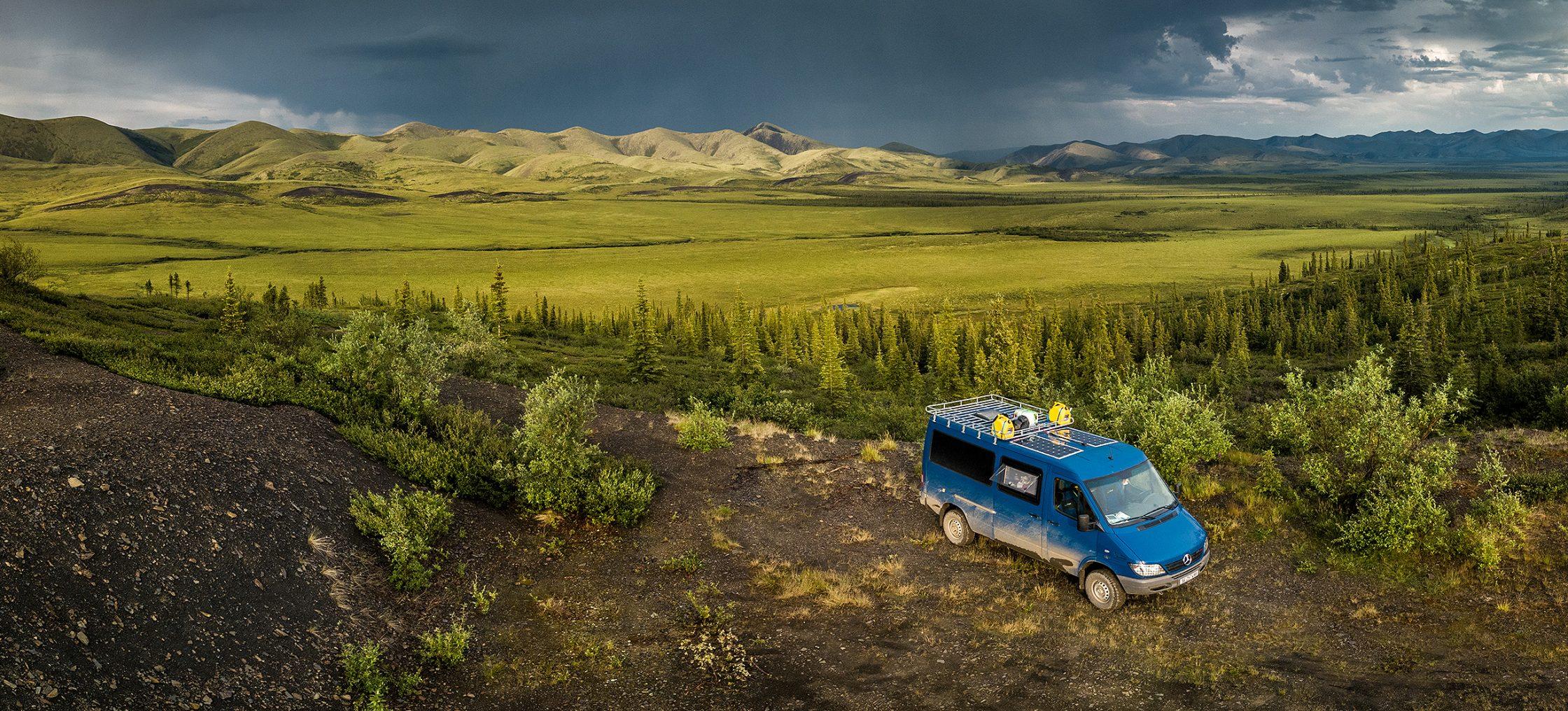 panamerica alaska bus amerika camper scaled
