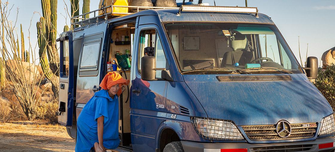 whale on trail van life bus alltag