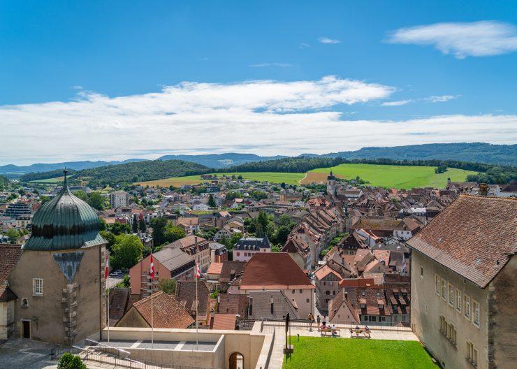 Jura Ferien, Aussicht auf Stadt Porrentruy vom Schloss Porrentruy