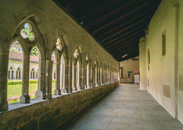 kreuzgang stiftskirche st ursanne scaled
