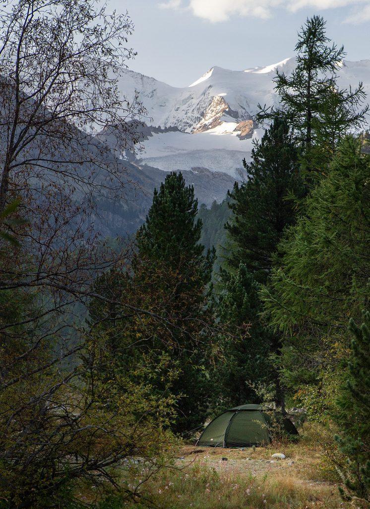 campingplatz-engadin-camping-morteratsch-zelt