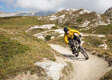 mountainbike corviglia