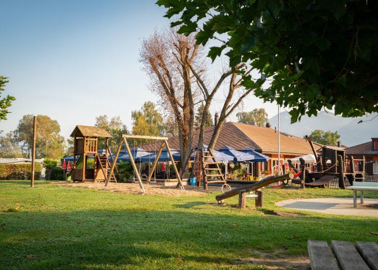 spielplatz camping les grangettes scaled