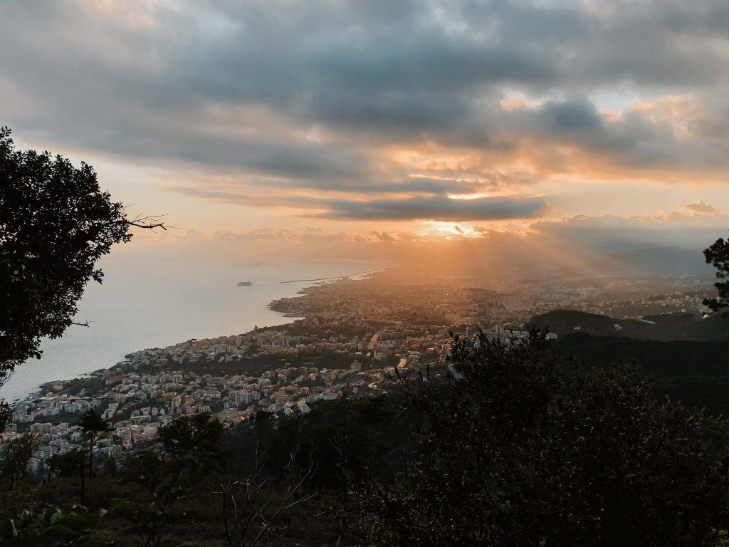 Camping Toskana, Sonnenuntergang und Aussicht auf Genua