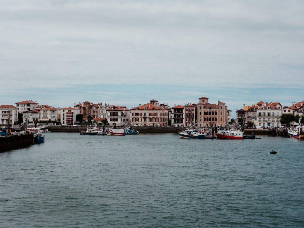 Rundreise-Frankreich-St. Jean de Luz im Meer