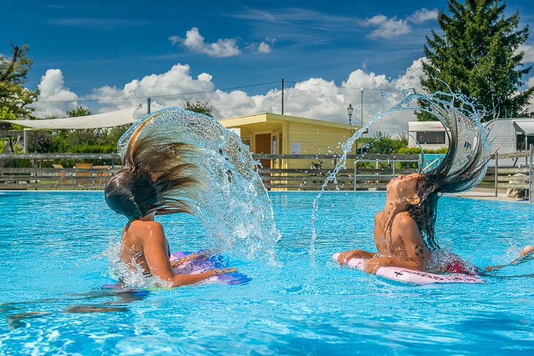 familiencamping schweiz camping huettenberg pool
