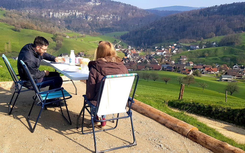 bauernhofcamping schweiz fruehstueck