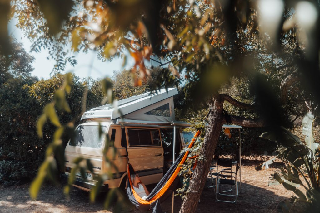 korsika ile rousse campingplatz camping les oliviers camper